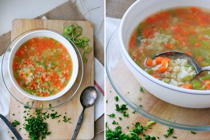 Frisches Suppengemüse, starke Brühe und Sternchennudeln - Sternchensuppe ist günstig, im Handumdrehen fertig und schmeckt tausend mal besser als die Suppe aus der Tüte - Kochkarussell.com