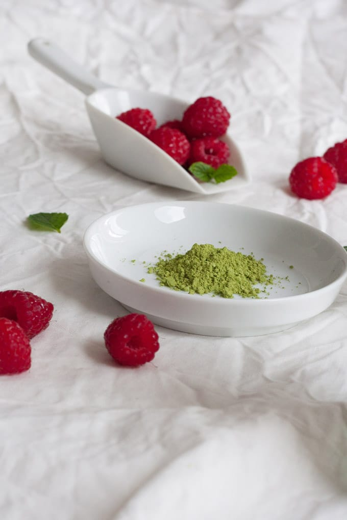 Matcha Kokos Chia Pudding. Ein echtes Powerfrühstück und richtig lecker - kochkarussell.com