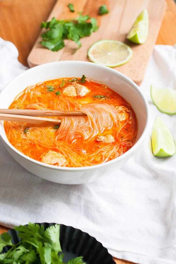20-Minuten Thai Chicken Soup - Kochkarussell.com