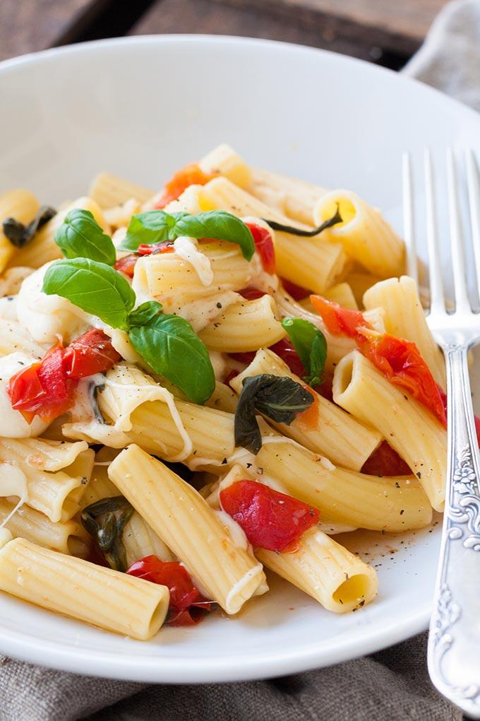 One Pot Pasta Tomate Mozzarella Rezept6