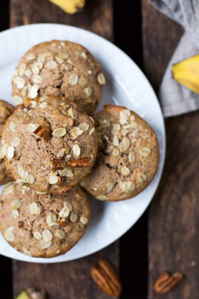 Dieses Rezept für einfache Bananenbrot Muffins ohne Zucker ist einfach der Hammer! Schnell, gesünder und sooo lecker - Kochkarussell.com #werbung #Diamant #MarkenmehlistdasAahundOoh #backmomente
