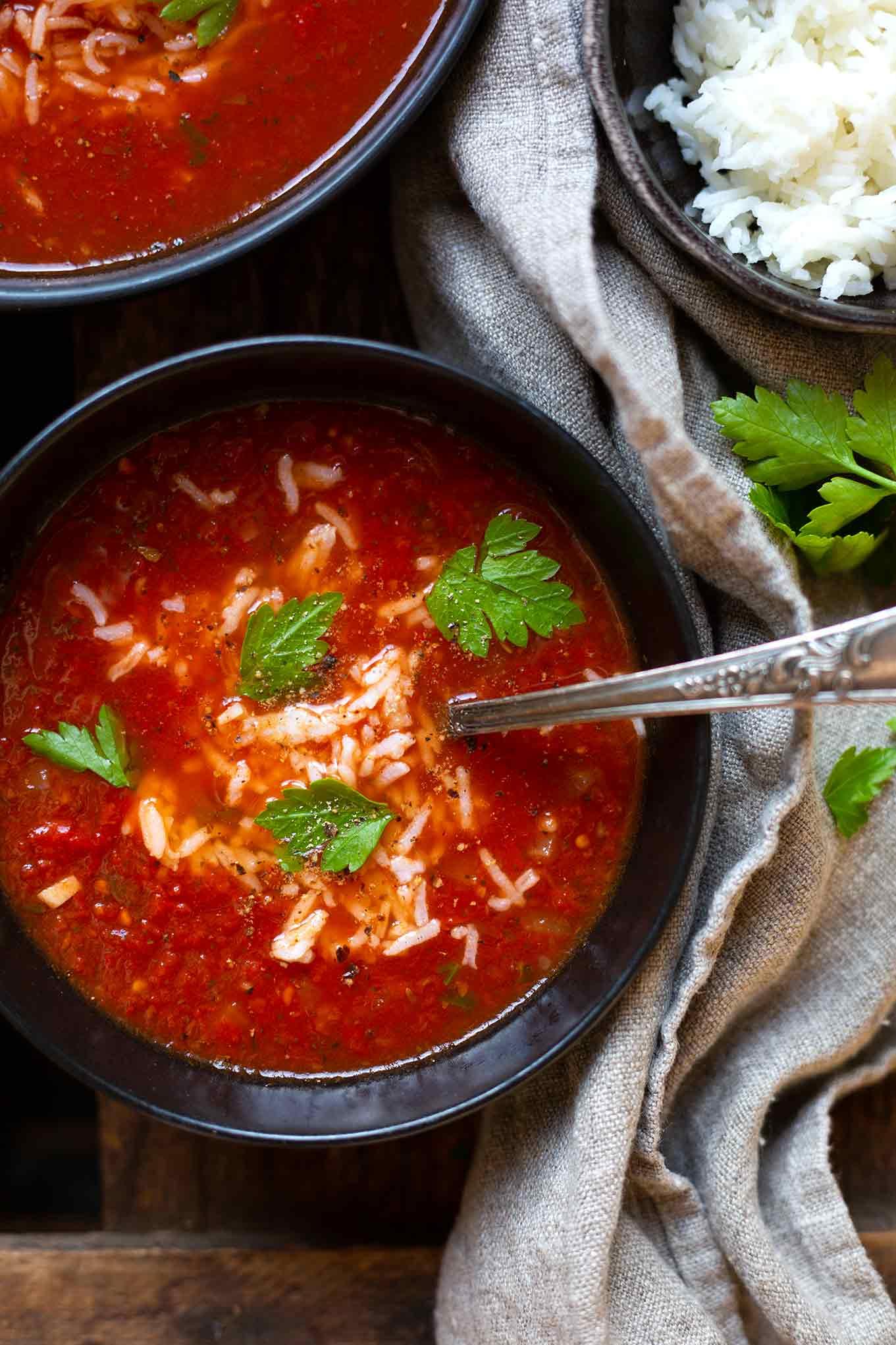 Kochkarussell-Rezept: Schnelle Tomatensuppe mit Dosentomaten und Reis